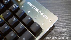 Логотип Motospeed на клавиатуре CK108